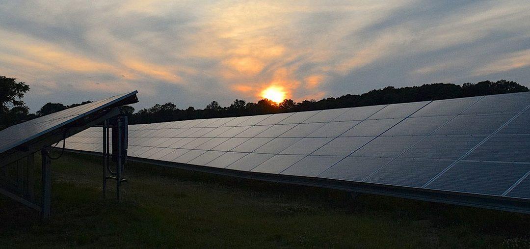 España gana atractivo para invertir en renovables tras la derogación del 'impuesto al sol'